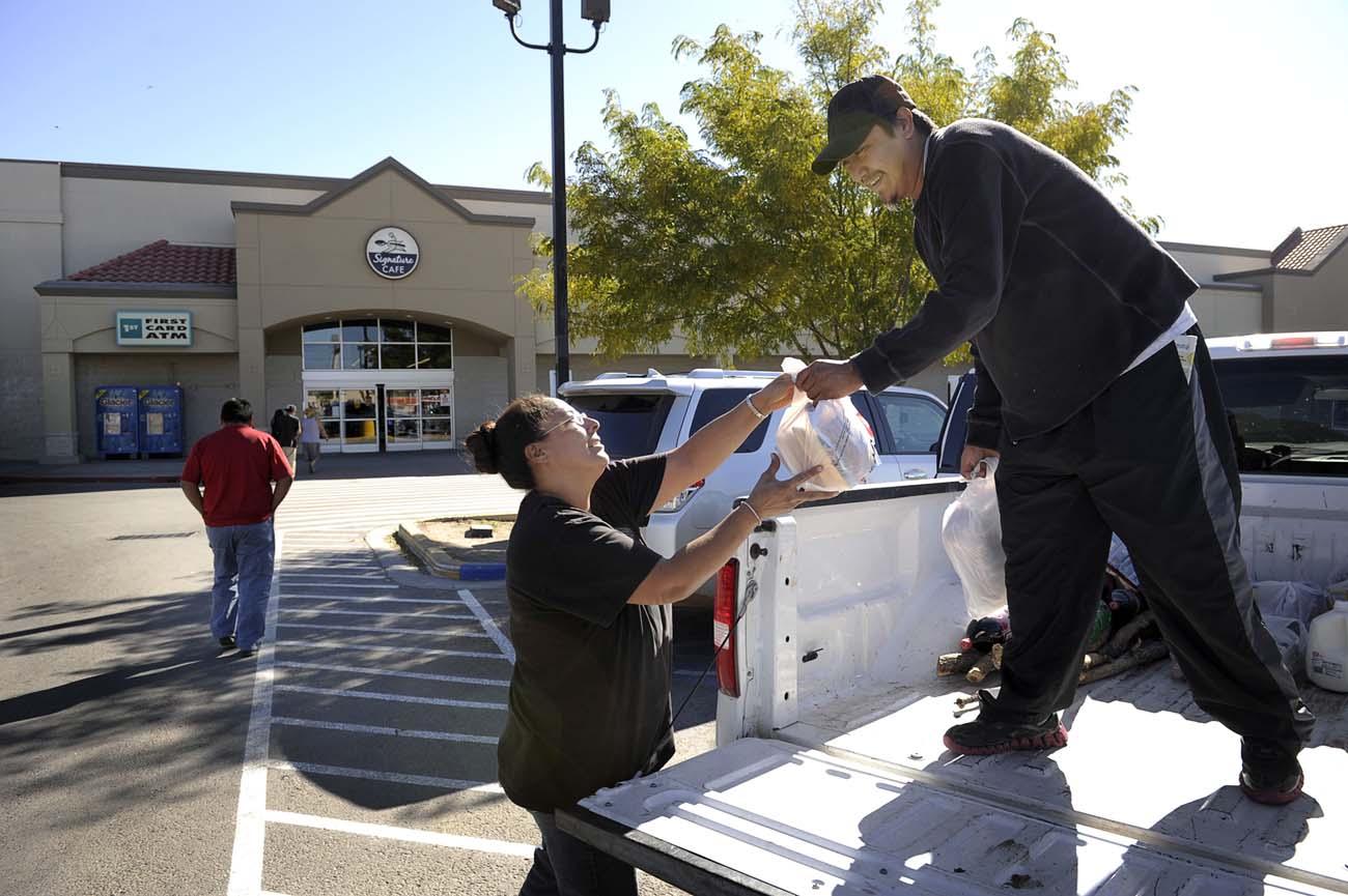 Kenth och Sheila Halona kör en Ford pickup